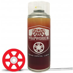 spray de tinta vermelha carro
