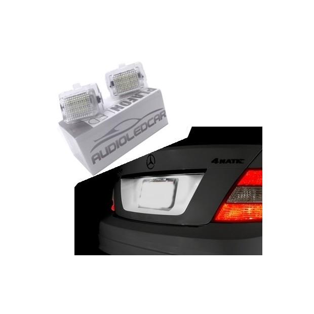La retombée de plafond de LED inscription Mercedes-Benz Classe E W212 (2010-2014)