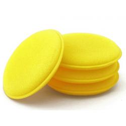 Espuma amarela para aplicar produtos de limpeza