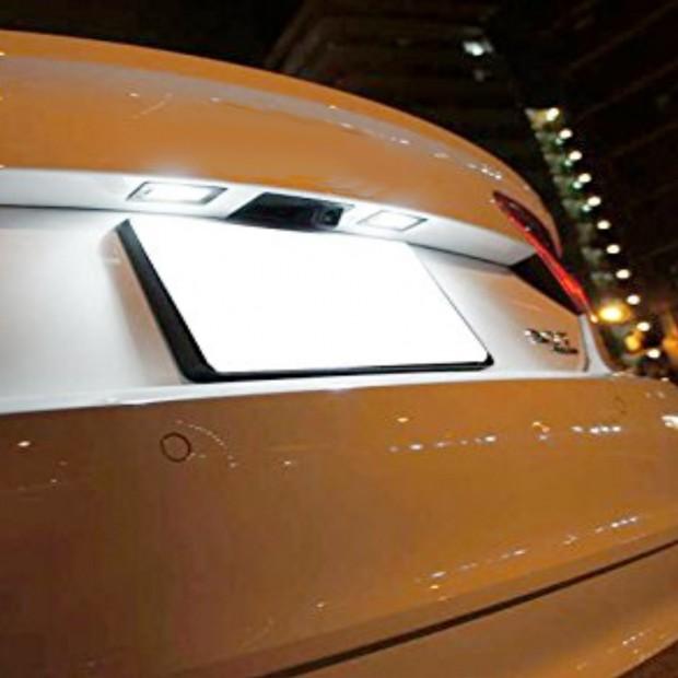 Luces matricula LED Mercedes Clase C W204, 4 y 5 puertas (con bombillas halógenas de serie)