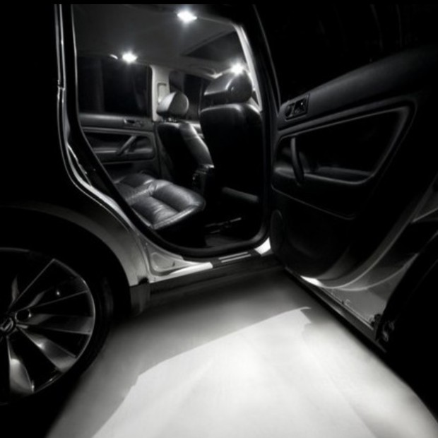 La retombée de plafond intérieur à led BMW X3 E83