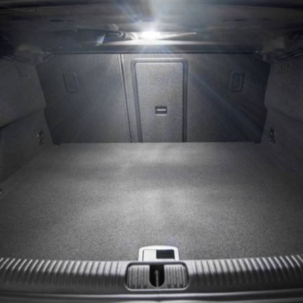 La retombée de plafond intérieur à led Skoda Octavia II