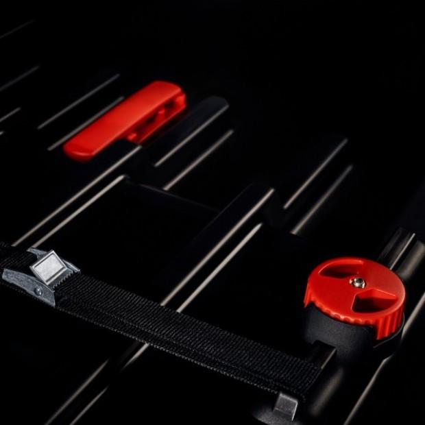 Dachbox Kreuz Paddock 450-liter - sportlich und elegant