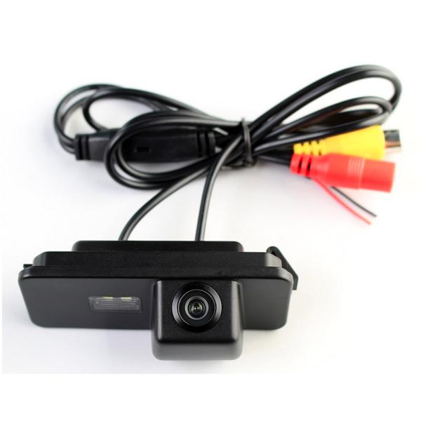 caméra de stationnement Volkswagen Golf V