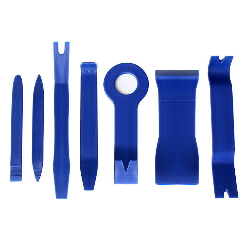 Kit tools for dismounting of the car (cleats, indoor, plastic, panels, ceiling and lights)