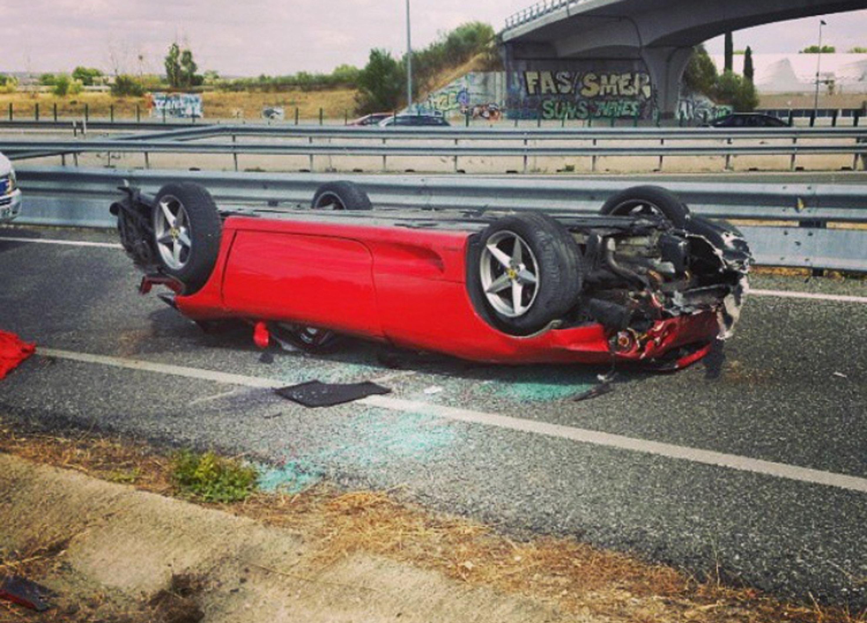 Circuito Jarama : Accidente ferrari circuito del jarama audioledcar