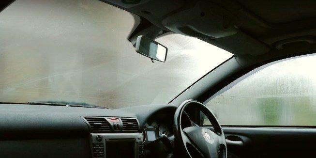 eliminar niebla del parabrisas
