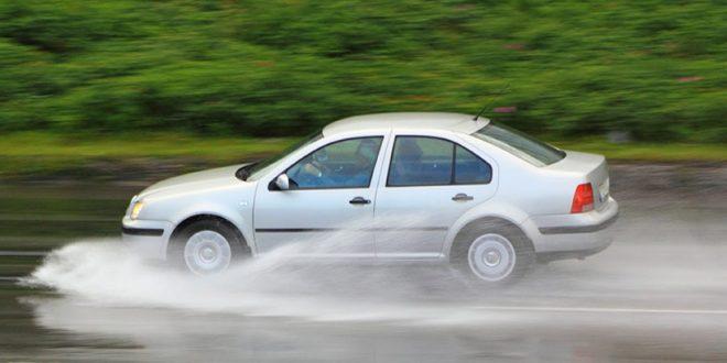 motor-como-reaccionar-si-hacer-aquaplanning2