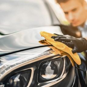 Äußere Reinigung Mit Dem Auto: Wachse, Shampoos, Coating