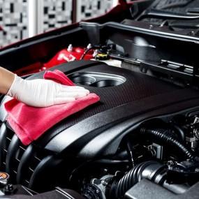 Prodotti per Pulire il Motore della vostra Auto